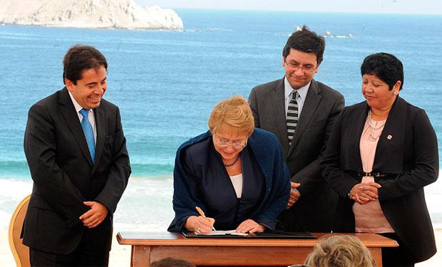 Presidenta Bachelet firma proyecto de ley para proteger y conservar la biodiversidad del país