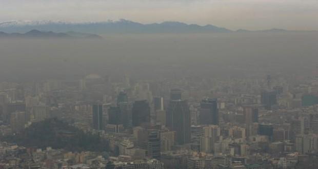 Santiago alcanzó peak de esmog más dañino para la salud sin que se decretara emergencia