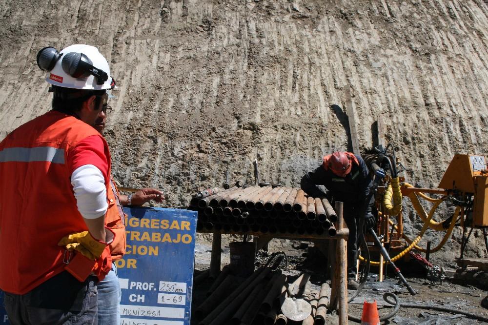 Gobierno alista enmienda a norma que afecta a mediana minería por cierre de faenas
