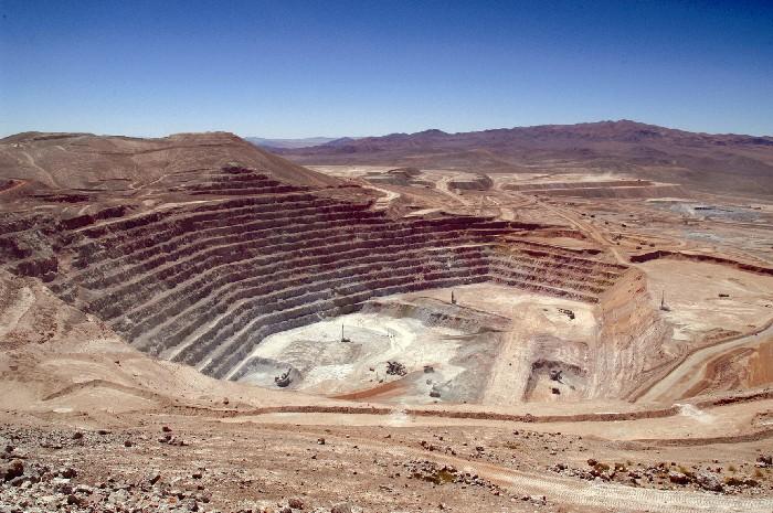 83% de los proyectos mineros en Chile enfrentan alzas de costos o retrasos