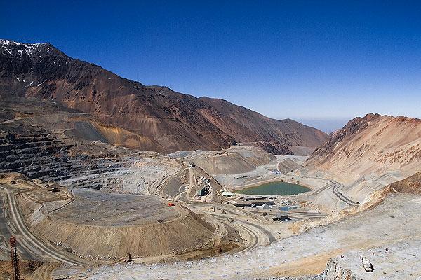 Gobierno apoya proyecto de BHP: SEA firma carta de navegación de consulta indígena en Cerro Colorado