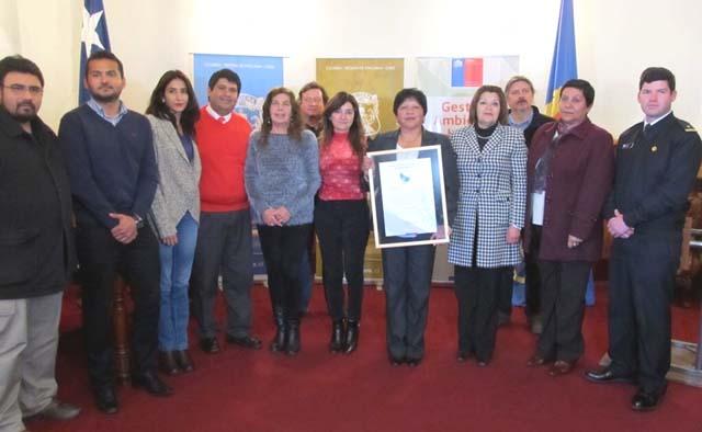 Entregan certificación ambiental a municipio de Caldera
