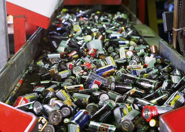 Más de 15 mil pilas contaminantes y en desuso se lograron acopiar en Coyhaique
