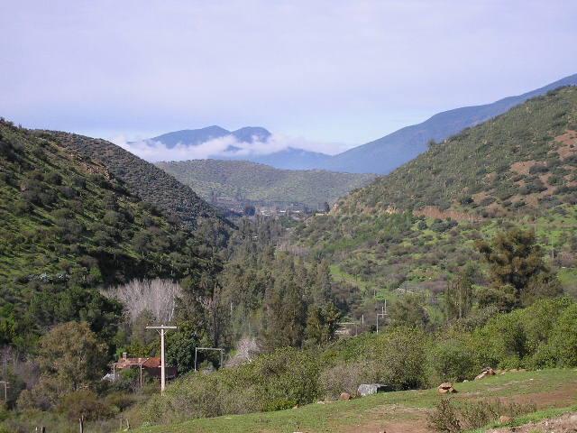 Eléctricas ven conflicto con comunidad por nueva línea de transmisión clave para Santiago