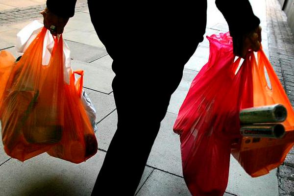 Gobierno anuncia nueva norma para fomentar reciclaje de bolsas plásticas