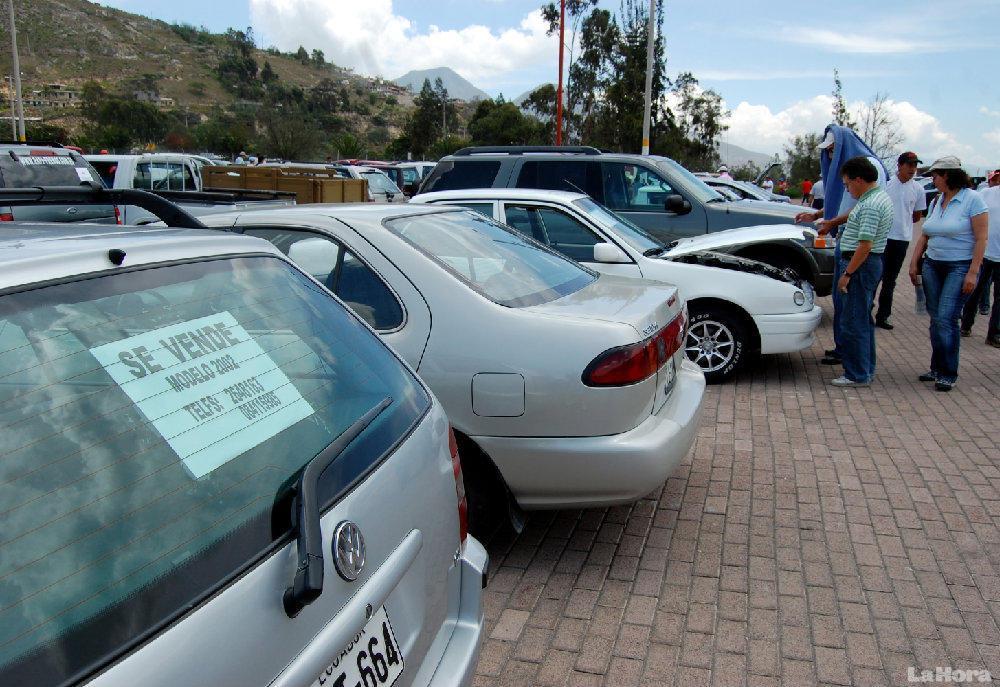 """Autos diésel: hasta 5 veces más """"impuesto verde"""" que gasolineros"""