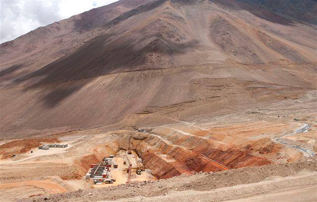 Estudio para reactivar Cerro Casale finaliza sin éxito y Barrick lo saca de su portafolio
