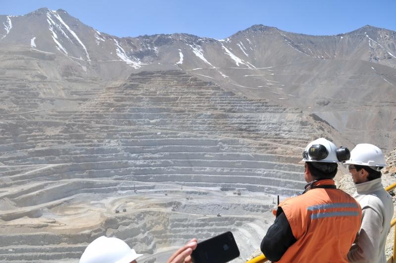 Comité de ministros da el visto bueno a proyecto minero Santo Domingo e Inmobiliario El Alto