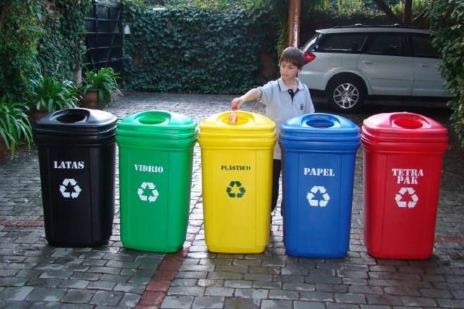 Primera encuesta ambiental: el 66% de los chilenos recicla