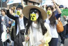 Miles de japoneses protestan ante el Parlamento contra reactivación de centrales nucleares