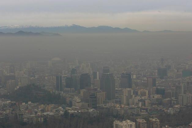 Más de diez millones de chilenos viven en zonas donde se respira un nivel crítico de aire