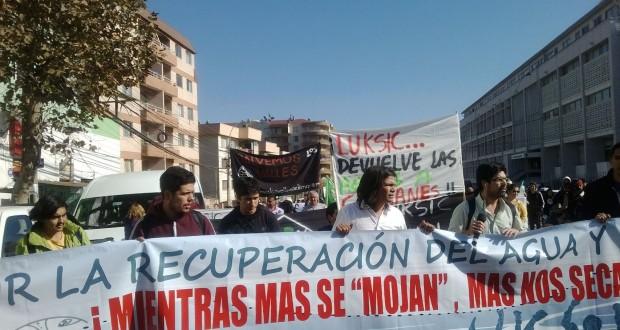 Marcha por el Agua y la Vida recorre las calles de Valparaíso