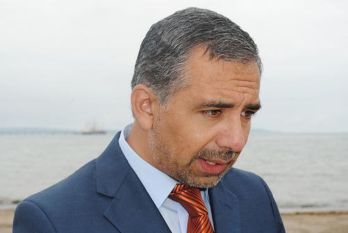 Alcalde de Penco responsabiliza al Estado de la contaminación que emite Vidrios Lirquén