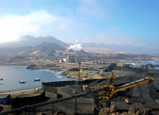 Denuncian desplazamiento de cenizales de termoeléctricas al borde costero de Tocopilla tras temporal