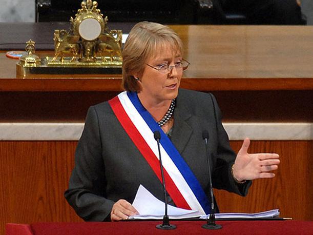 Presidenta Bachelet: Permita que sea Chile quien decida el futuro de Chile. ¡No firme el TPP!