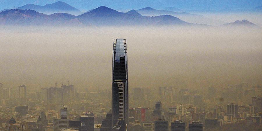 Decretan primera emergencia ambiental en 16 años por niveles críticos de esmog