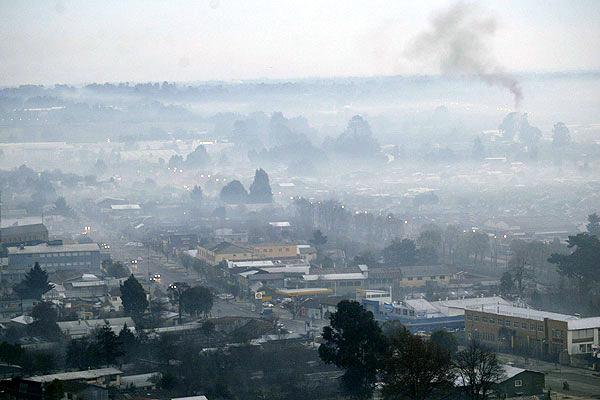 Nuevo Plan de Descontaminación podría incluir prohibición total de calefacción a leña