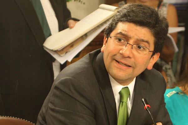 Ministro de Medio Ambiente renuncia para integrarse a campaña presidencial
