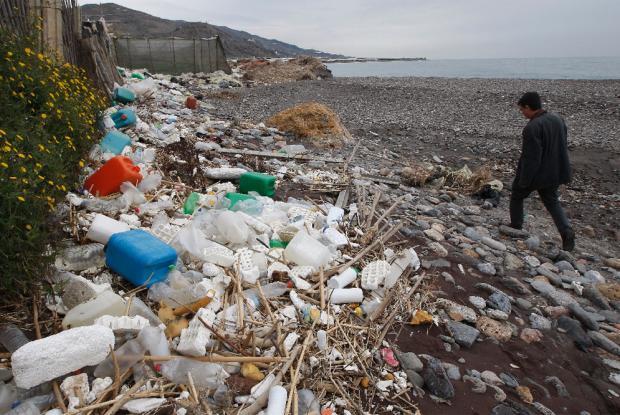 Programa nacido en Chile para descontaminar los océanos fue invitado a Taiwán