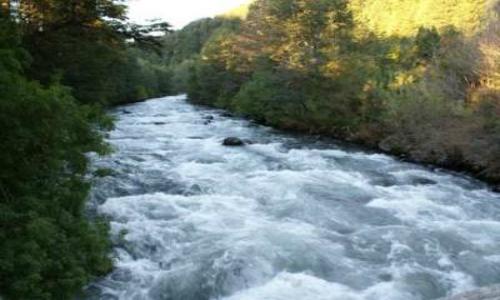 Empresarios reclaman que las centrales hidroeléctricas dañan el turismo local