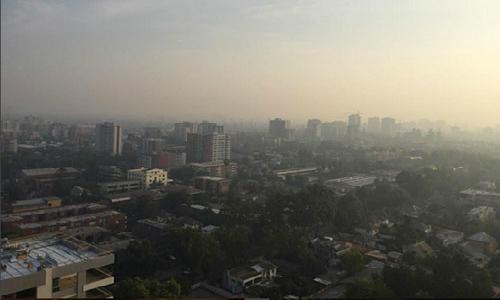 Incendio: Refutan a intendente por nube sobre Santiago