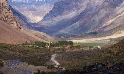 Faenas de central hidroeléctrica Alto Maipo del grupo Luksic libera elementos tóxicos al río Maipo