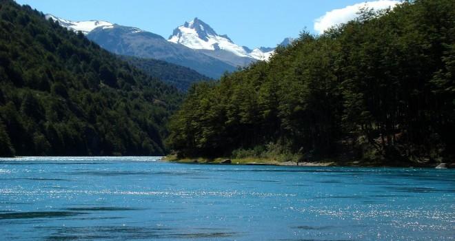 Rebelión de Alcaldes: en picada contra represa Cuervo