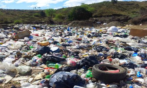 Habitantes de Quilicura protestaron contra vertedero ilegal que les afecta