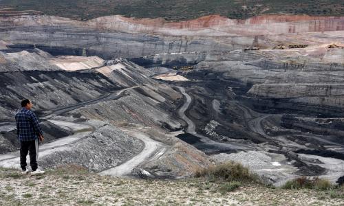 Carbón eleva su peso entre combustibles a nivel nacional, pese a restricciones e impuestos