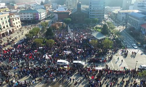 Más de 10 mil personas marcharon en Puerto Montt