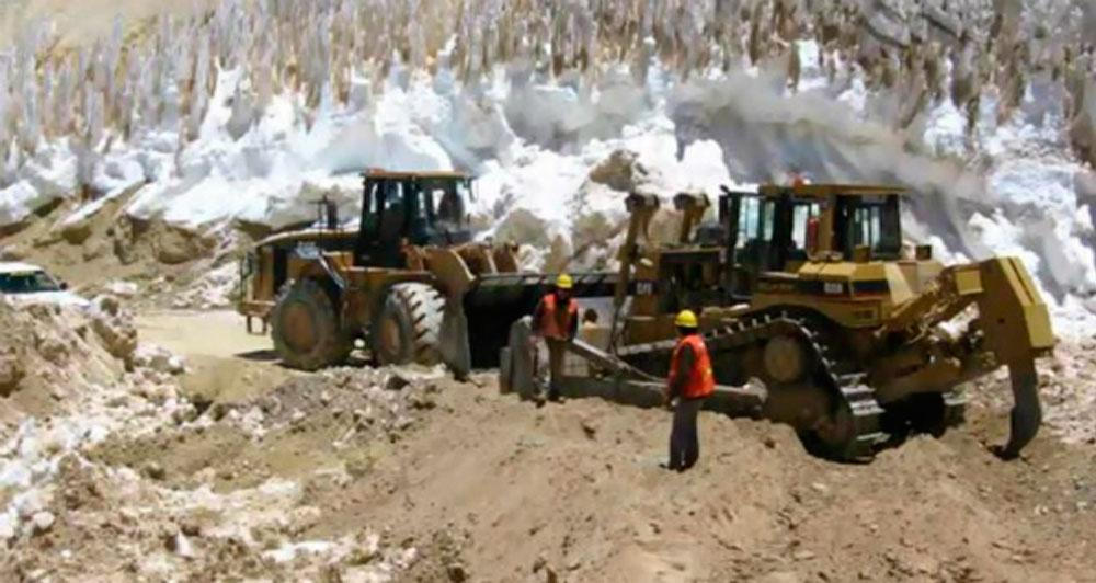 Critican falta de gestión para proteger los salares y glaciares