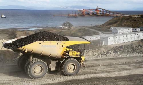 Rechazan uso de tronaduras en Isla Riesco de minera ligada a Angelini y Von Appen