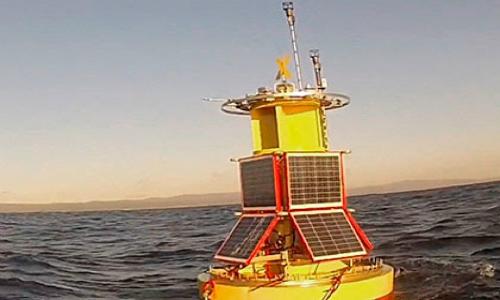 Boya oceanográfica podrá detectar en tiempo real episodios de marea roja