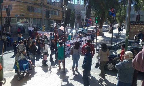Vecinos loínos protestan por presencia de planta de plomo