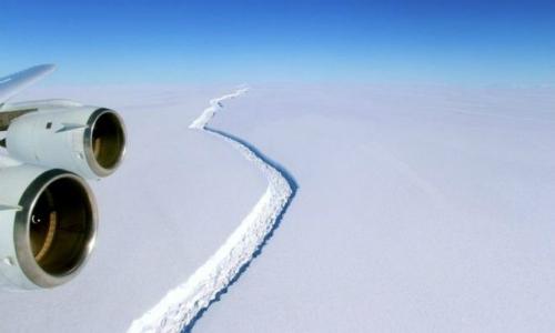 Advierten sobre enorme iceberg que estaría separándose en la Antártida