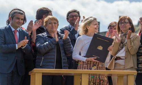 Fundación Tompkins traspasa Parque Pumalín al estado de Chile