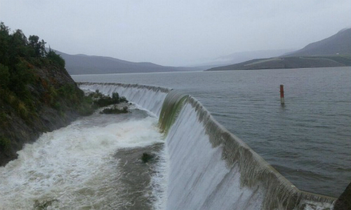 Lluvia provoca desborde de embalse Recoleta y corte de agua a 26.600 hogares en Ovalle