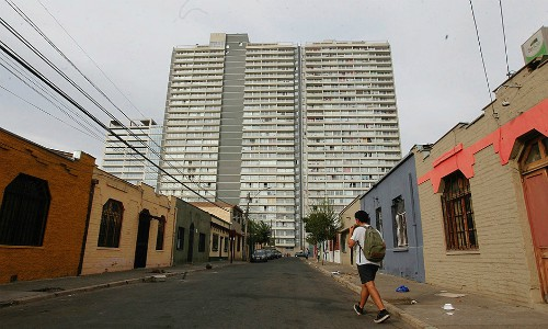 """Abren proceso sancionatorio por inicio de obras de """"gueto vertical"""" sin permiso ambiental"""