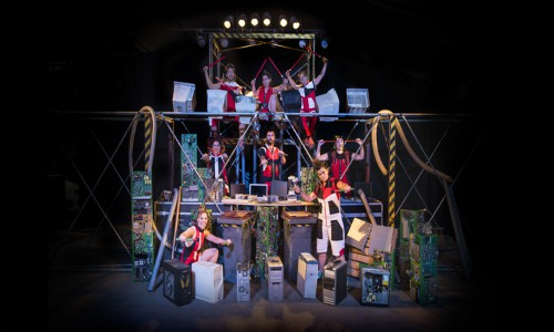 Teatro: Chau, Adiós chatarra electrónica