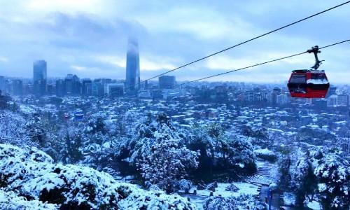 Santiago registró la nevazón más amplia e intensa desde el año 1971