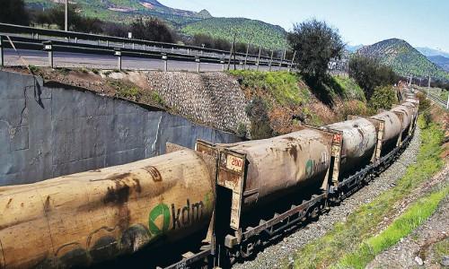 Tren que transportaba basura de KDM descarrilló en Til Til
