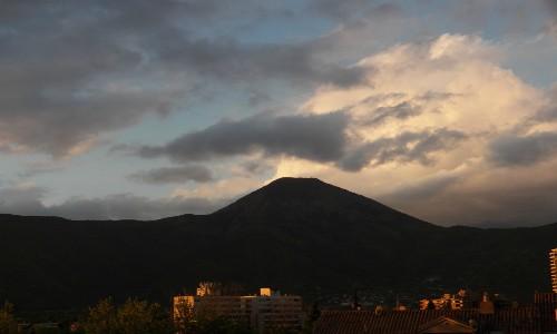 Propietario anuncia que antes de fin de año cerrará acceso más usado al cerro Manquehue