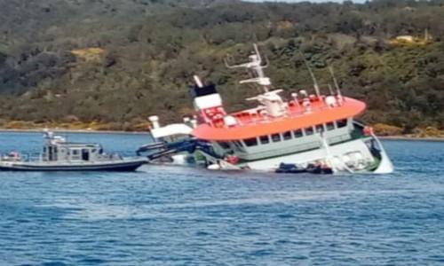 Naufragio en Chiloé: unos 600 litros de aceite cayeron al mar