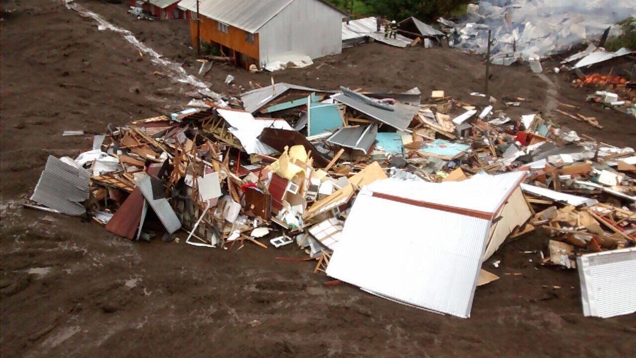Glaciar se desprendió por las intensas lluvias y provocó el fatal aluvión