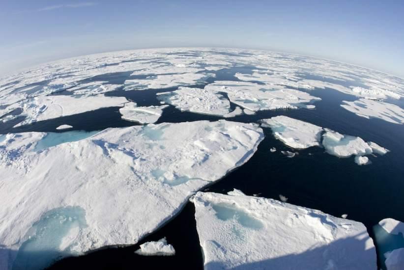 Nueve naciones y la Unión Europea acuerdan prohibir la pesca en el Océano Ártico por 16 años