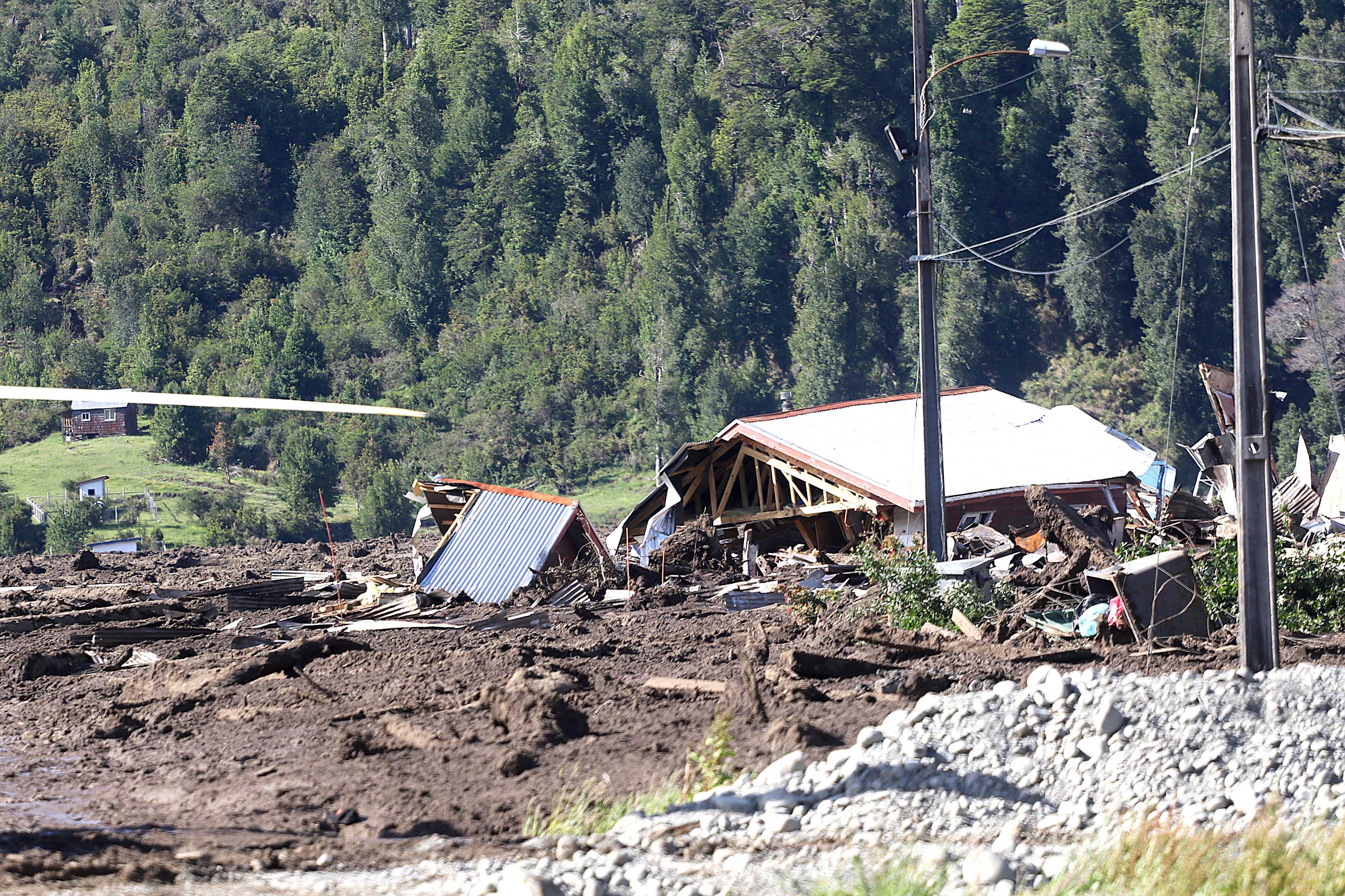 Experto explica los 8 fenómenos que provocaron el aluvión en Villa Santa Lucía