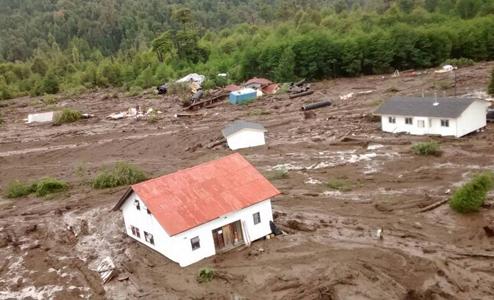Científico de Uach advierte que en devastada Villa Santa Lucía la amenaza sigue latente