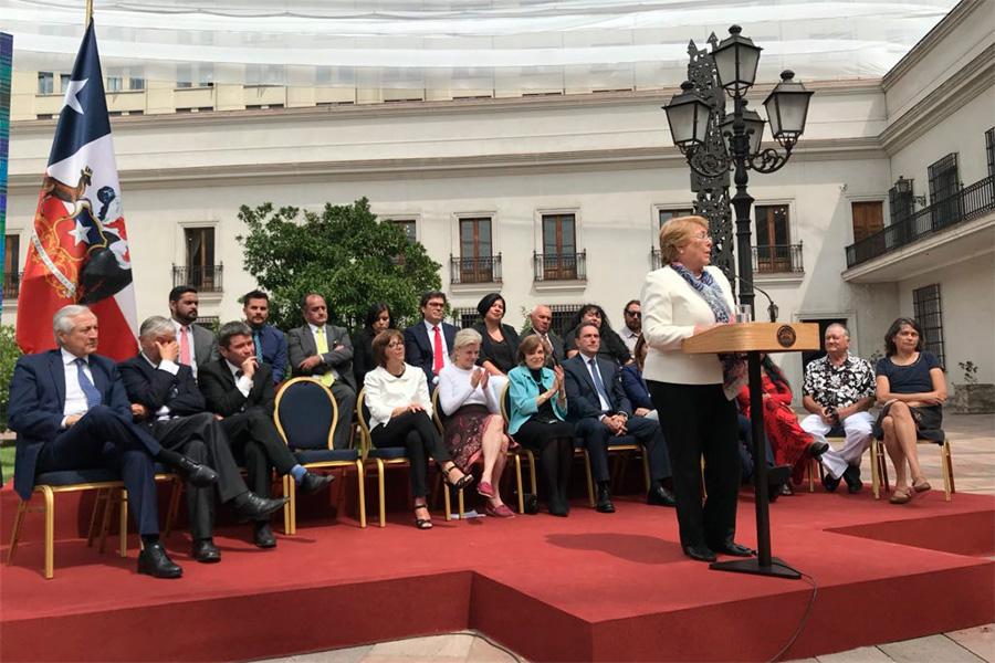 Bachelet firmó la creación de la Red de Parques de la Patagonia y áreas marinas protegidas