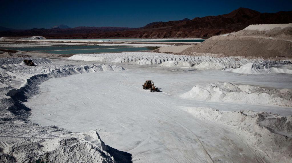 Corfo traspasa a Ministerio de Minería Comité para desarrollo de la industria del litio en Chile