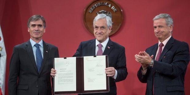 """Las 12 iniciativas pro inversión con las que Piñera le declaró """"una guerra a la burocracia"""""""